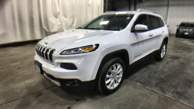 Certified Pre-Owned 2017 Jeep Cherokee Limited 4x4