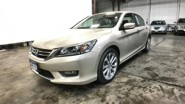 Pre-Owned 2014 Honda Accord 4dr I4 CVT Sport