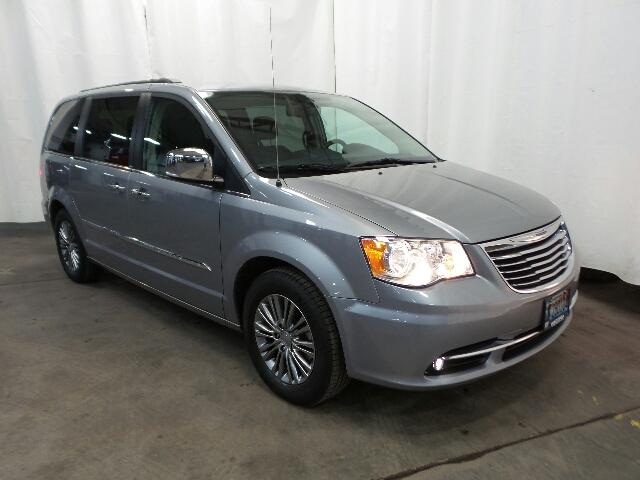 Certified Pre-Owned 2013 Chrysler Town & Country 4dr Wgn Touring-L