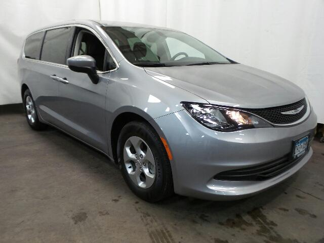 Certified Pre Owned 2017 Chrysler Pacifica Lx Fwd