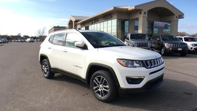 New 2020 Jeep Compass Latitude w/Sun/Safety Pkg 4x4