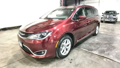 Certified Pre-Owned 2017 Chrysler Pacifica Touring-L FWD