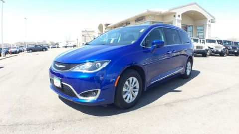 Certified Pre-Owned 2019 Chrysler Pacifica Touring L FWD