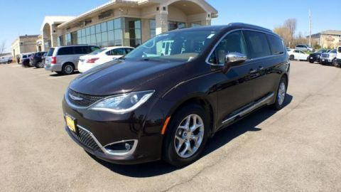 Certified Pre-Owned 2017 Chrysler Pacifica Limited FWD