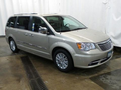 Pre-Owned 2015 Chrysler Town & Country 4dr Wgn Limited